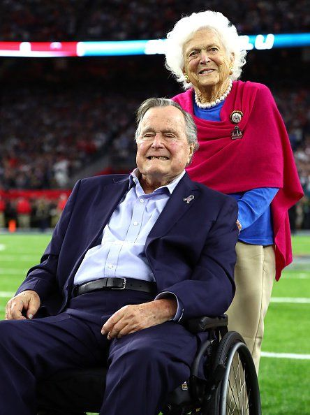 Super moment: President George H.W. Bush and wife Barbara in the Super Bowl coin toss | fox8.com