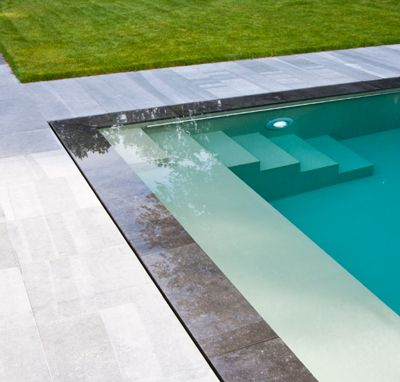 le club de lyon royal cocoon cocoon piscinas. Black Bedroom Furniture Sets. Home Design Ideas