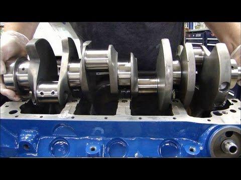 Engine Building Part 3: Installing Crankshafts   Vélfræði ...