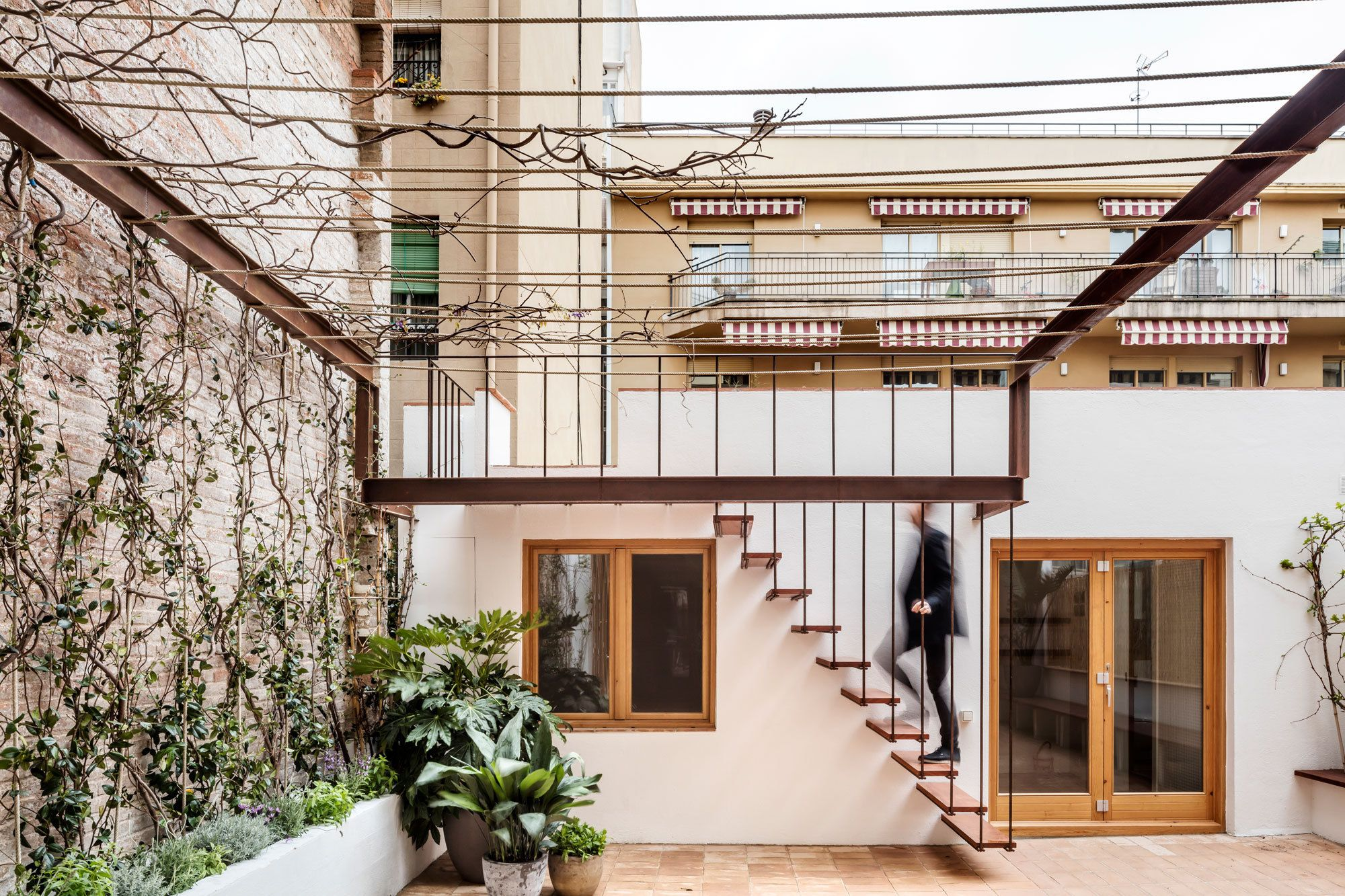 gallery-house / carles enrich | the o'jays, (2017) and 39;s