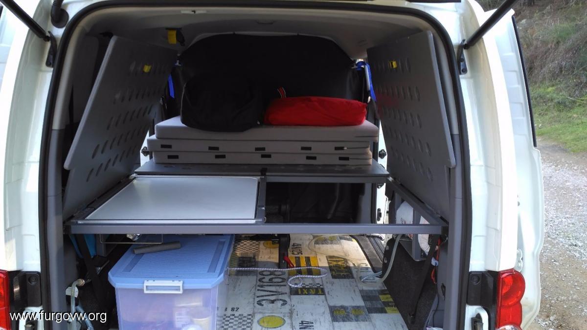 os presento a nissaneta nissan nv200 evalia evalia camper. Black Bedroom Furniture Sets. Home Design Ideas