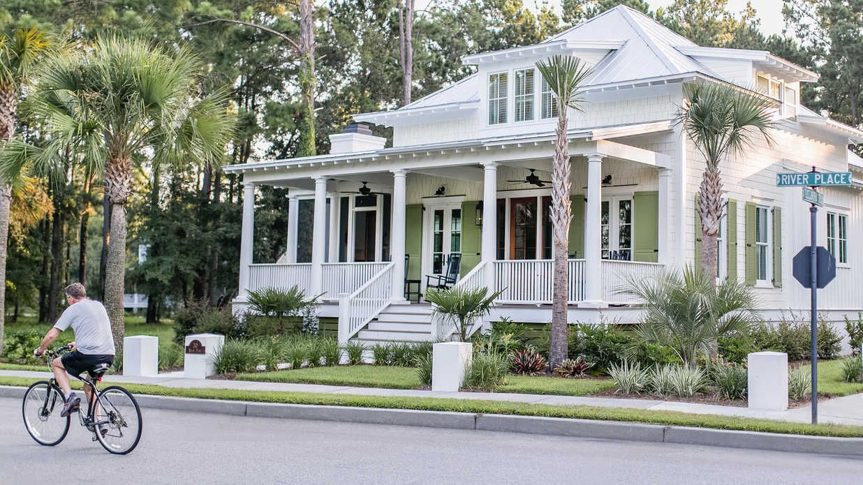 Low Country Living In Habersham South Carolina A Southern Living Inspired Community Low Country Homes Cottage House Exterior Southern House Plans