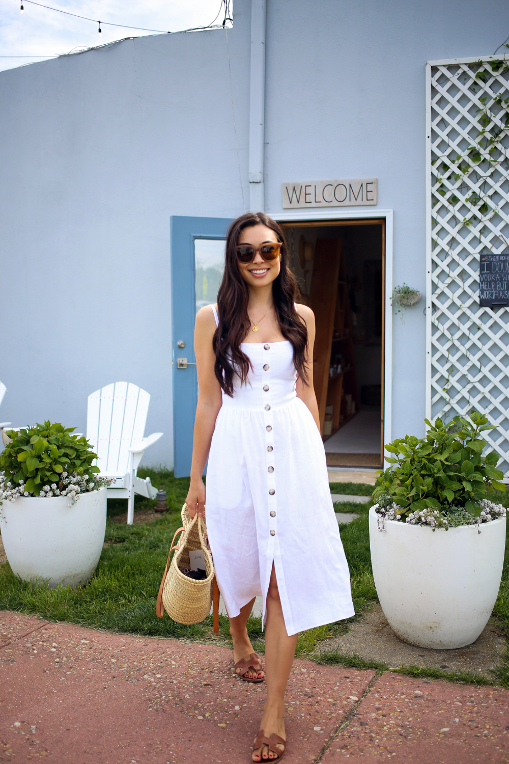White Linen Dress In Montauk With Love From Kat White Linen Dress Summer White Linen Dresses Dresses [ 1500 x 1000 Pixel ]