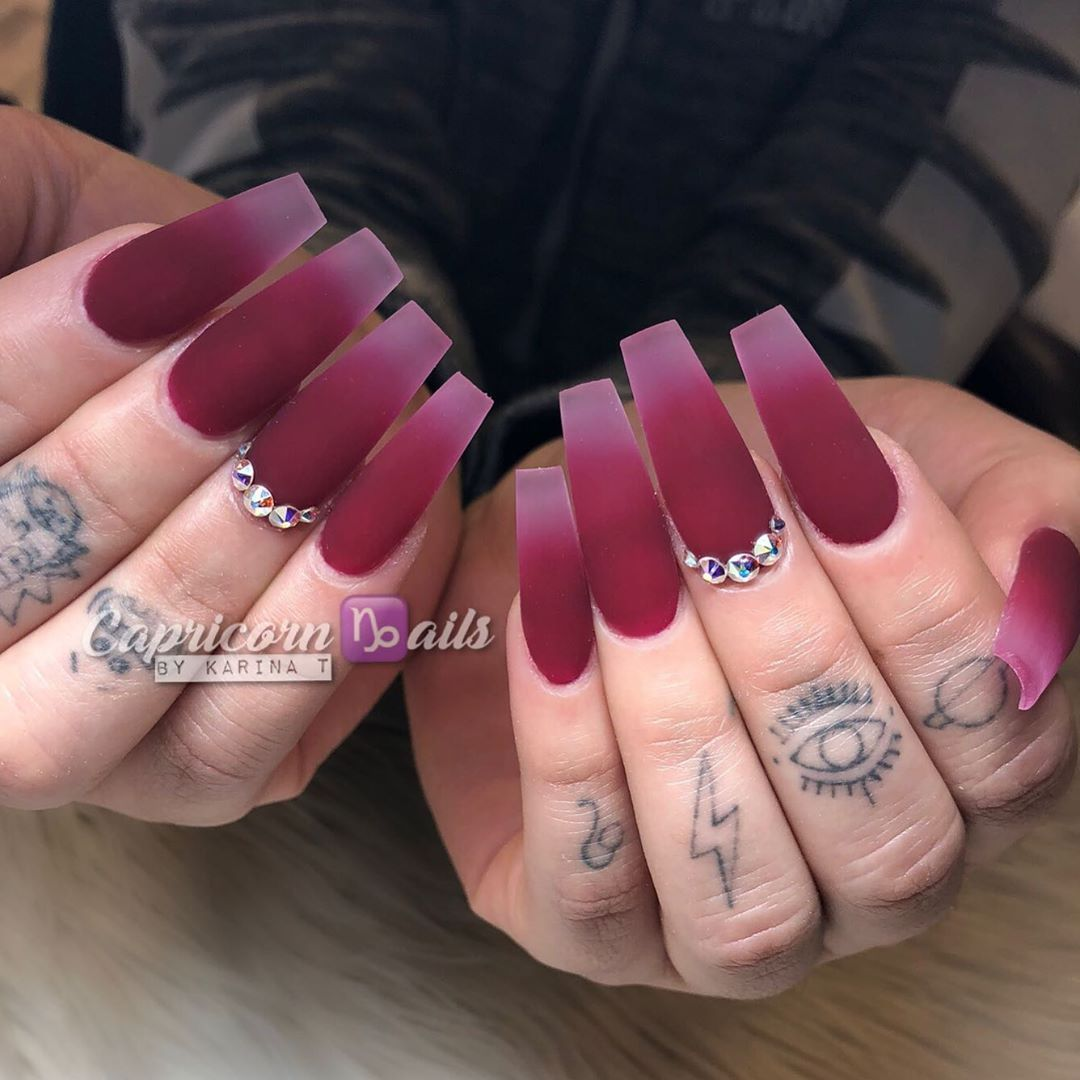 Karina Capricorn Ails On Instagram Wine Not Burgundy Acrylic Color Faded Into Clear Wine Nails Burgundy Acrylic Nails Burgundy Nails