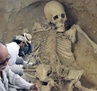 What Does The 5m Human Skeleton Found in Australia Mean?