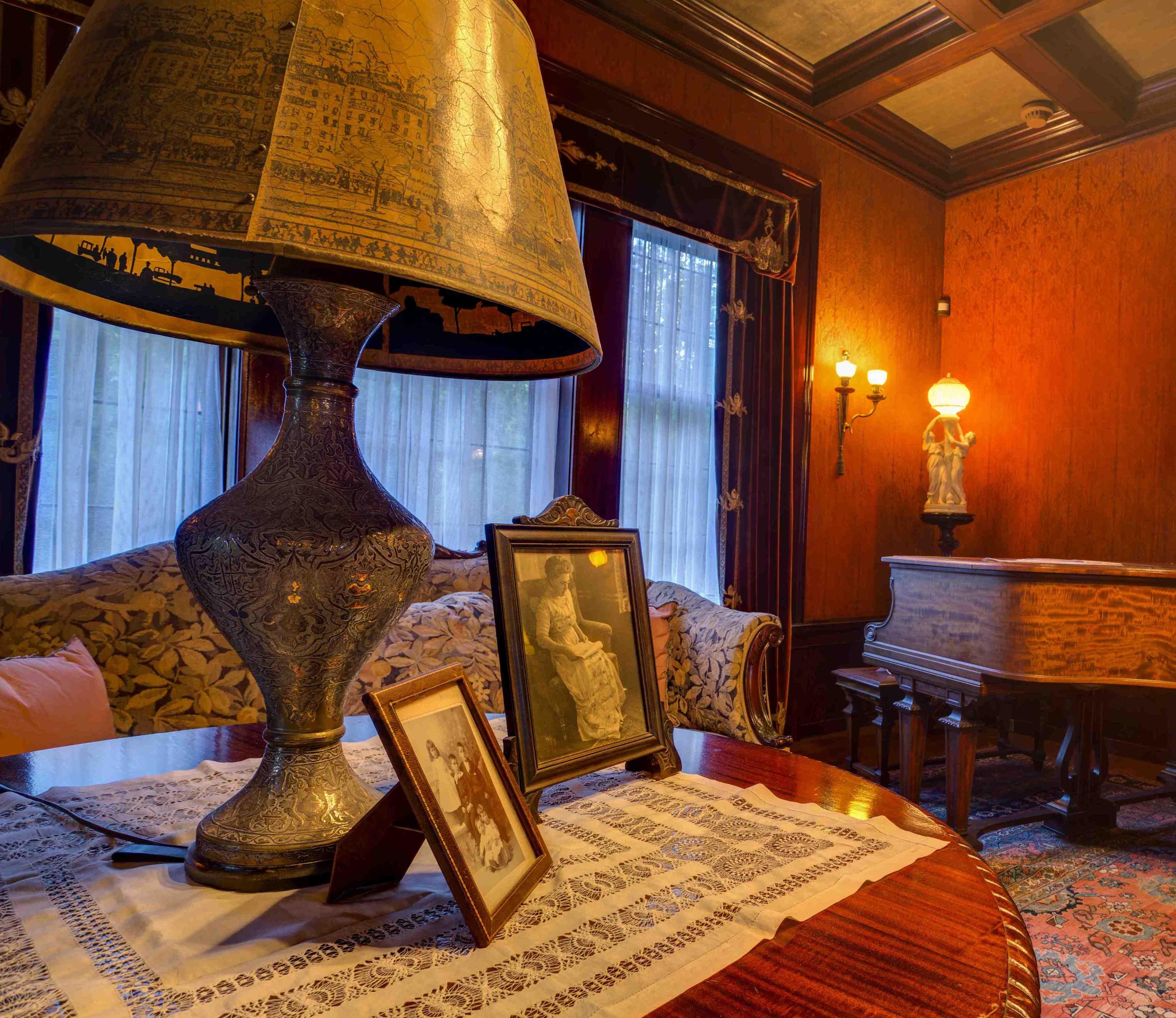interior of glensheen mansion congdon family living room in interior of glensheen mansion congdon family living room in glensheen mansion victorian homeshistoric