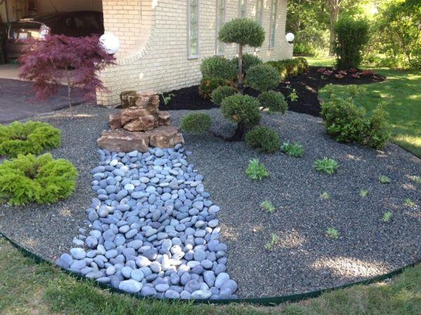 Moderner Steingarten-holen Sie die japanische Kultur zu sich nach