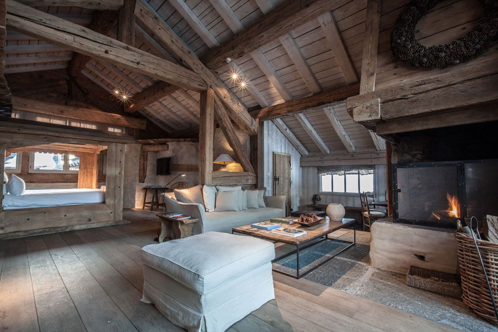 Sophisticated Stylish And Small Mountain Hideaway Le Chalet Zannier Boutique Ski Hotel Megeve Fran Rustic Country Homes Dream House Exterior Chalet Design
