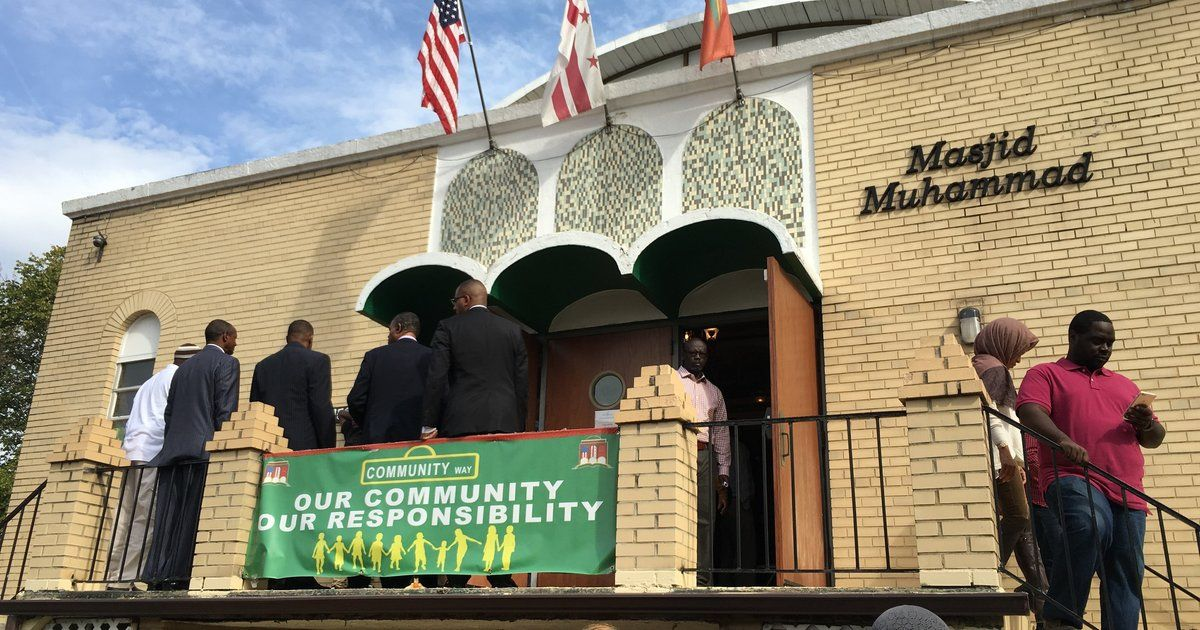 Sorry, Islamophobes: Your Anti-Muslim Rallies Ended Up Inspiring Acts Of Love And Service - Oct 11, 2015 -  After hearing about armed protests scheduled to take place around mosques, the interfaith community rallied around Muslims.