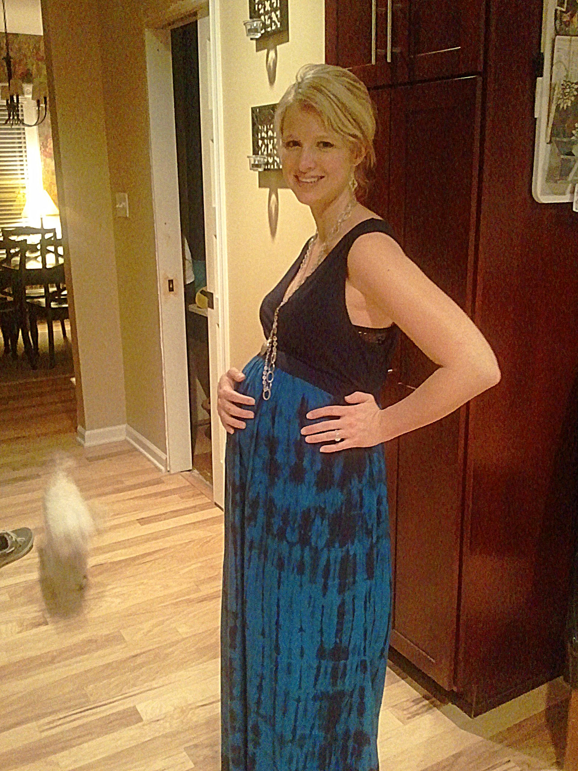 7 months pregnant Dress from Tar Maternity Style