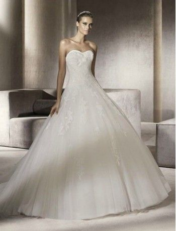 Tulle Strapless Sweetheart Neckline A-Line Style with Lace Appliques