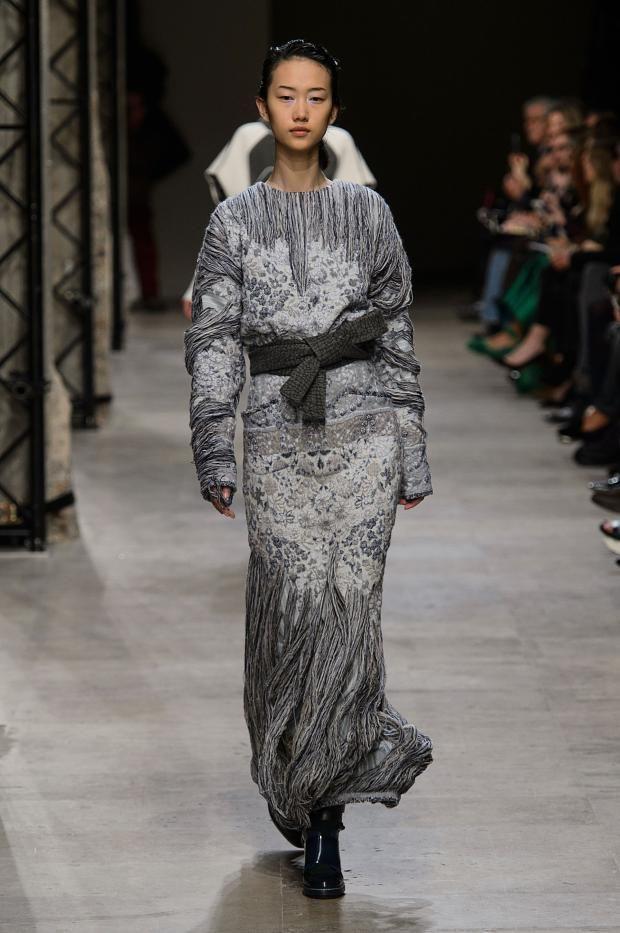 http://www.fashionising.com/runway/b--leonard-aw-15-86008.html