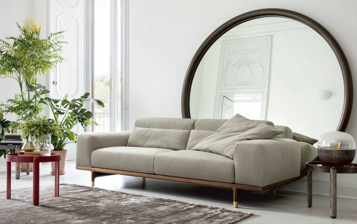 Sofa Argo Modular Sofa With Frame In Solid Canaletta Walnut And Brushed Brass Feet The Cover In The Fabrics Of The C Interior Design Trends Sofa Modular Sofa