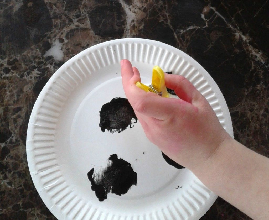 Crafts for Toddlers - Paper Plate Baby Farm Animals - Mess for Less ...