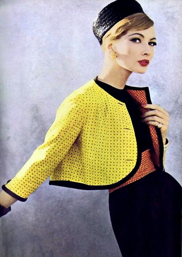 Nina Ricci.