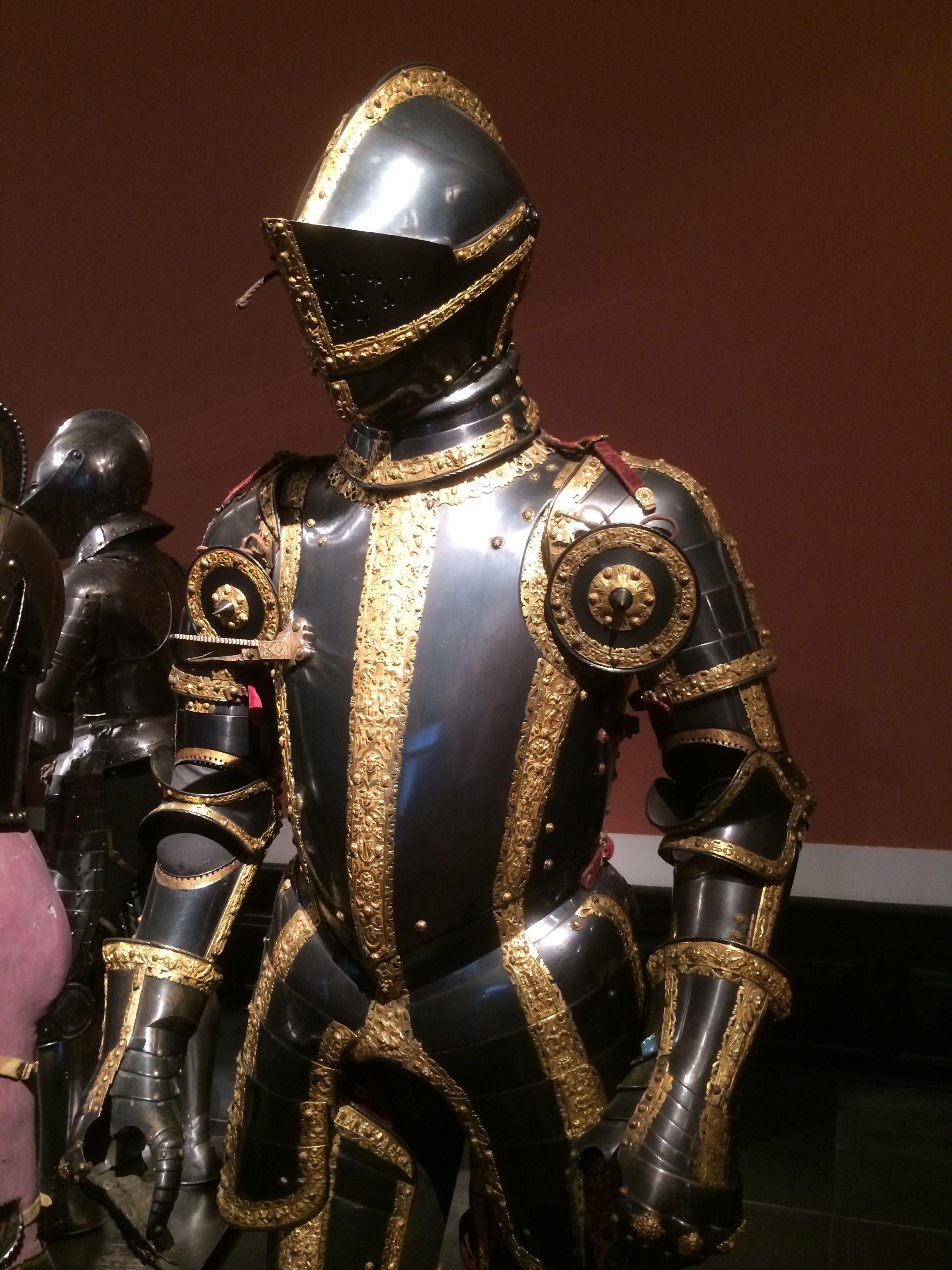 Augsburg 1544 - Kaiser Maximilian II Hofjagd - Wien Renaissance chlosed helmet armor