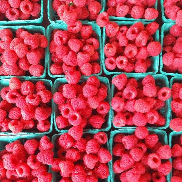 Skin Tip of the Day: RASPBERRIES! Eat them. Lots of them. Raspberries have very high amounts of antioxidants, which slow down the aging of your skin. They also contain anthocyanins, which are nutrients that give raspberries their beautiful color, and can give you the same beautiful complexion too, as well as tighten your skin! And last but not least, the seeds of raspberries contain high levels of Omega-3 and Omega-6 fatty acids which are great for treating eczema and psoriasis.