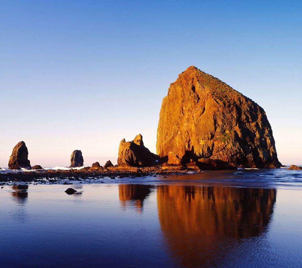 Haystack Rock In Cannon Beach Oregon