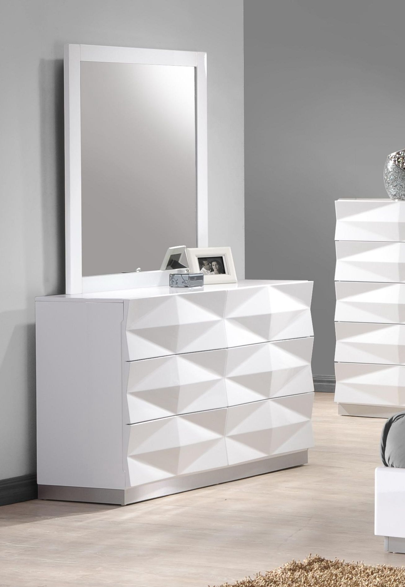 Verona Dresser And Mirror In White By J M