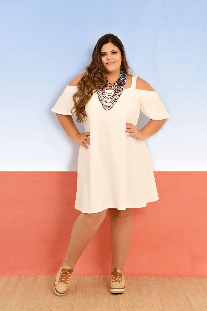 68c2da6c9 Vestido Ciganinha Off White plus size com estampa exclusiva da zuya+size.  Diversos modelos