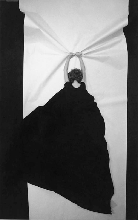 """Punto de escape / Point of Escape"" (1982) HELENA ALMEIDA."