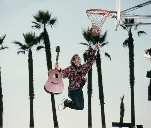 Nils Lofgren - Guitar and Basketball