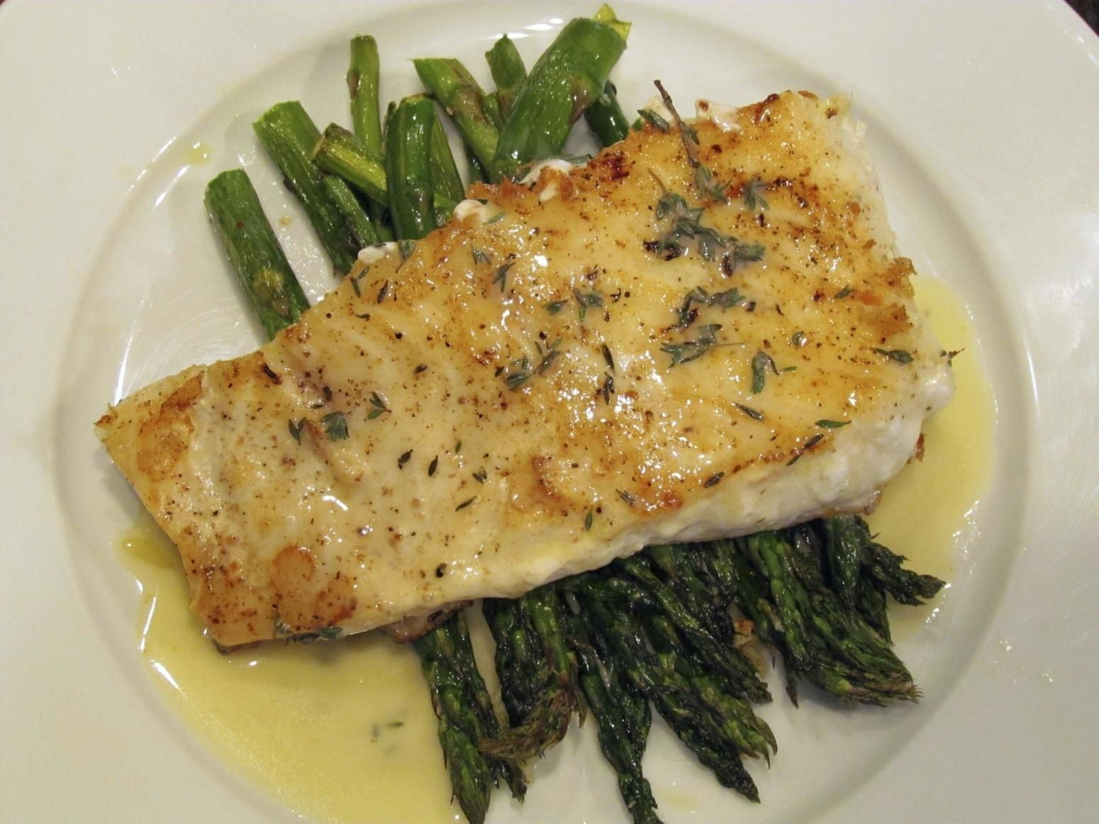 Baked Halibut With Lemon Butter Sauce