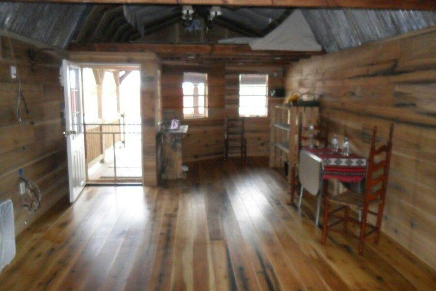 Graceland Possibilities Wraparound Lofted Barn Cabin
