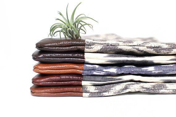 Pochette en cuir sac à main imprimé tribal ikat et chevron par eclu