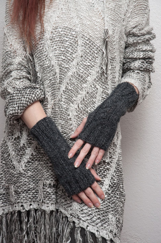 Lifestyle fingerless gloves