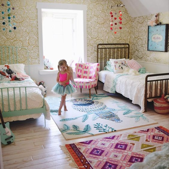 18 Shared Girl Bedroom Decorating Ideas Shared Girls Room Shared Girls Bedroom Girly Bedroom