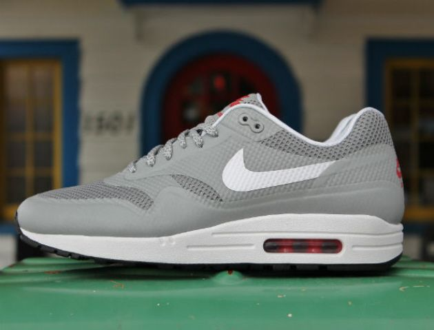 nike air max 1 hyperfuse qs shoes - matte silver-white color