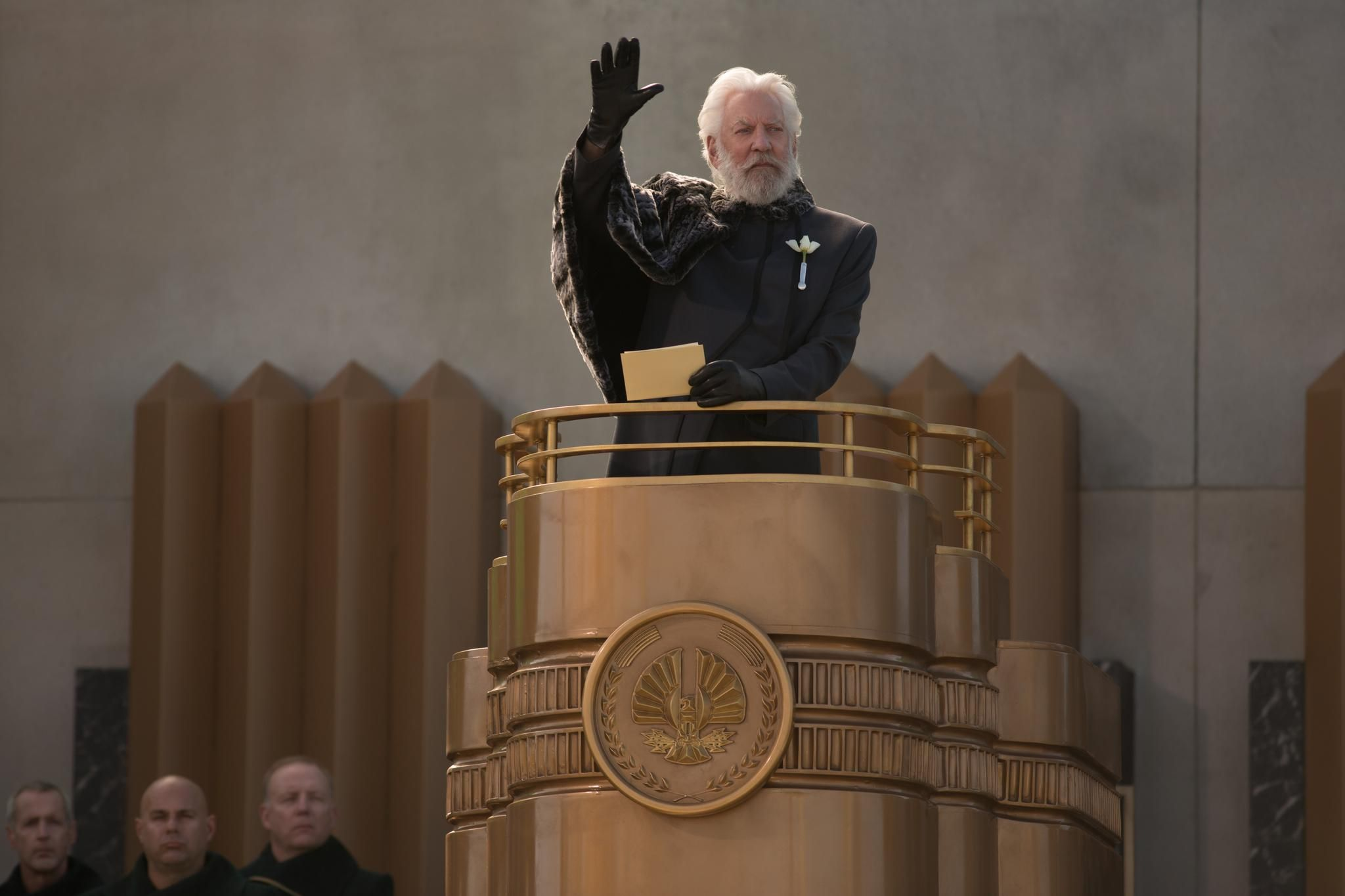 Still of Donald Sutherland in The Hunger Games: Catching Fire (2013) http://www.movpins.com/dHQxOTUxMjY0/the-hunger-games:-catching-fire-(2013)/still-2367479040