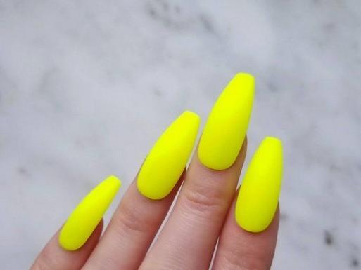 55+ wunderschöne natürliche gelbe Acrylnägel Design Sommer 2019 44 ~ producttall.co …