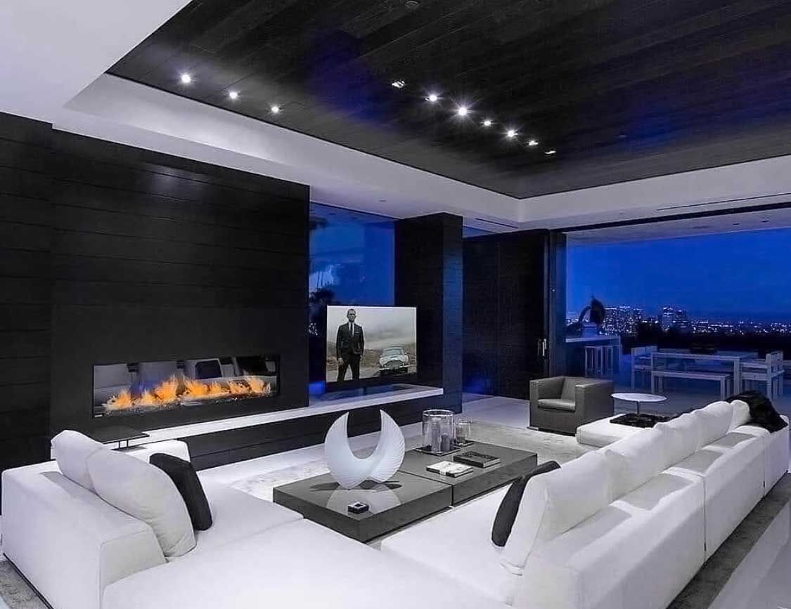 Luxury Modern Black And White Living Room Decor With Huge U Shaped White Sectional S Black And White Living Room Decor Big Living Rooms White Living Room Decor
