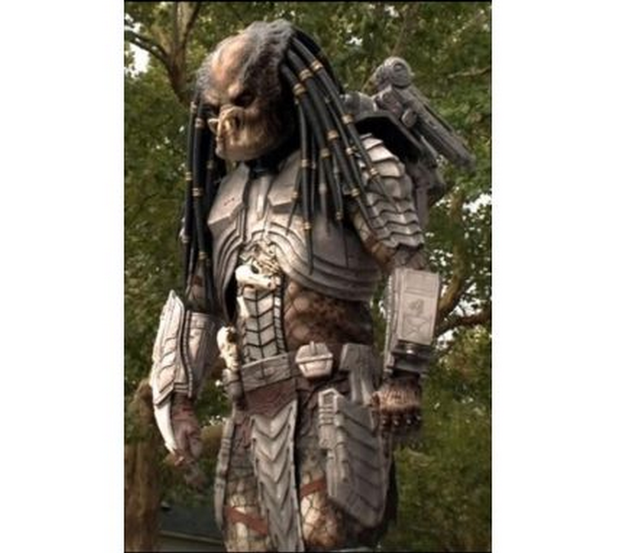 Someone Is Selling A Predator Suit On Gumtree For £4,800 ...