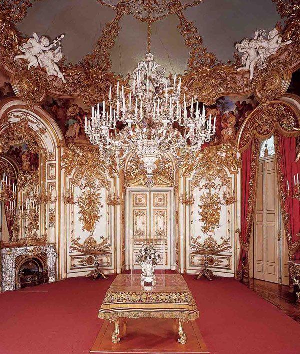 Neues Schloss Herrenchiemsee Neues Schloss Herrenchiemsee Freier Eintritt Vorteilscard Royal Castles Interior Castles Interior Palacios