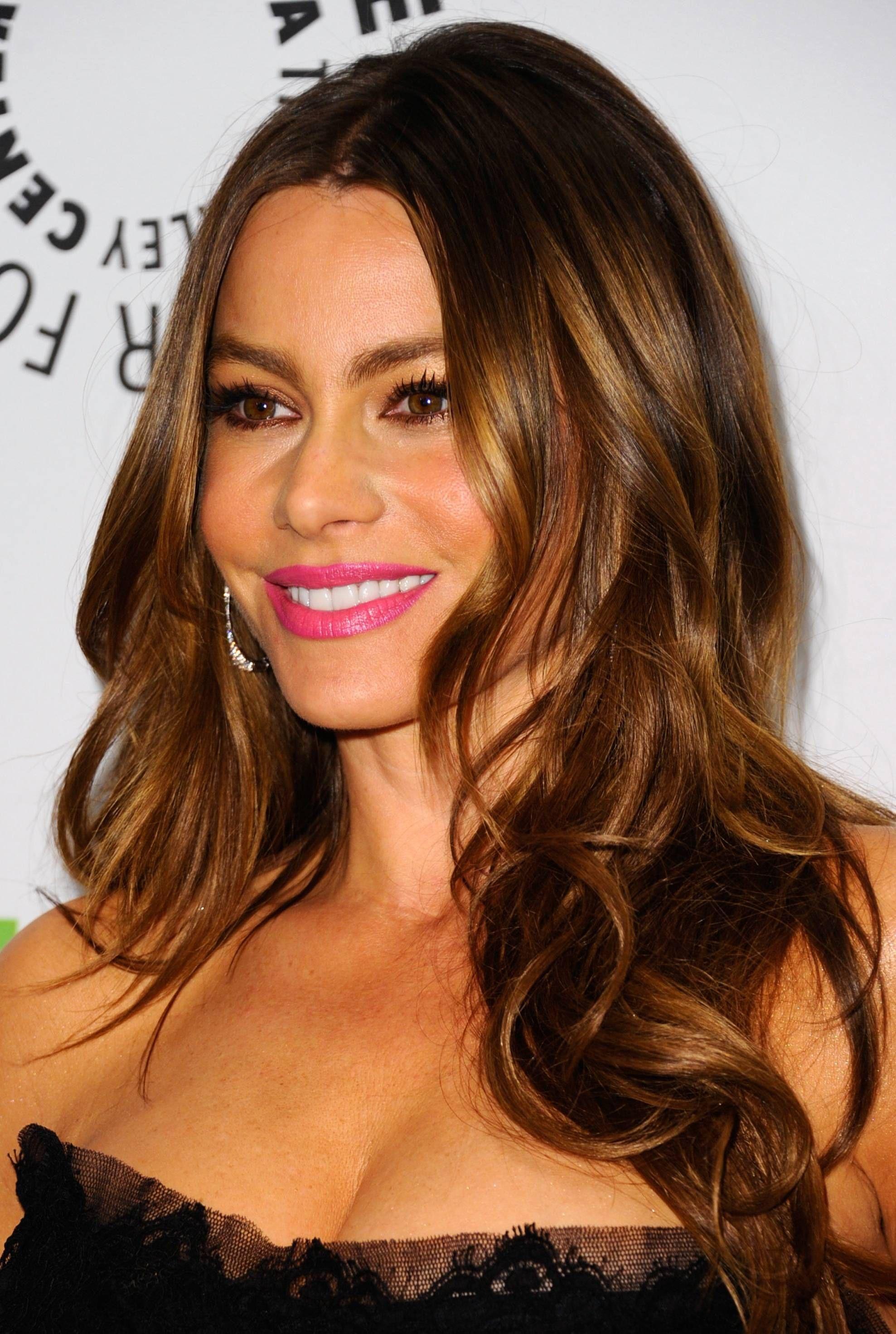 19 Ways to Style Long, Wavy Hair | Sophia vergara, Hair coloring and ...