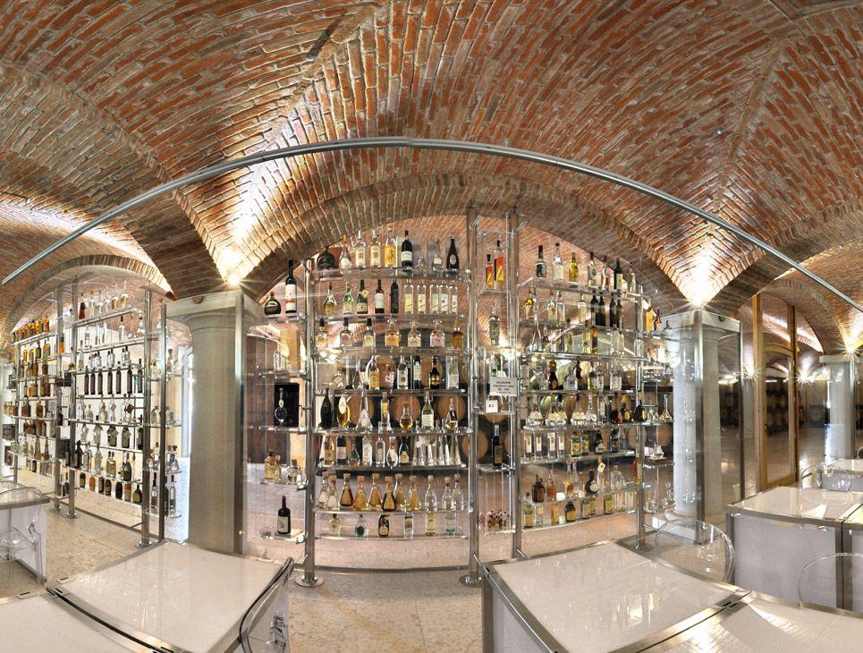 Weinkeller selber ausbauen  Mit gebrannten Holländersteinen wurde der Gewölbekeller in der ...