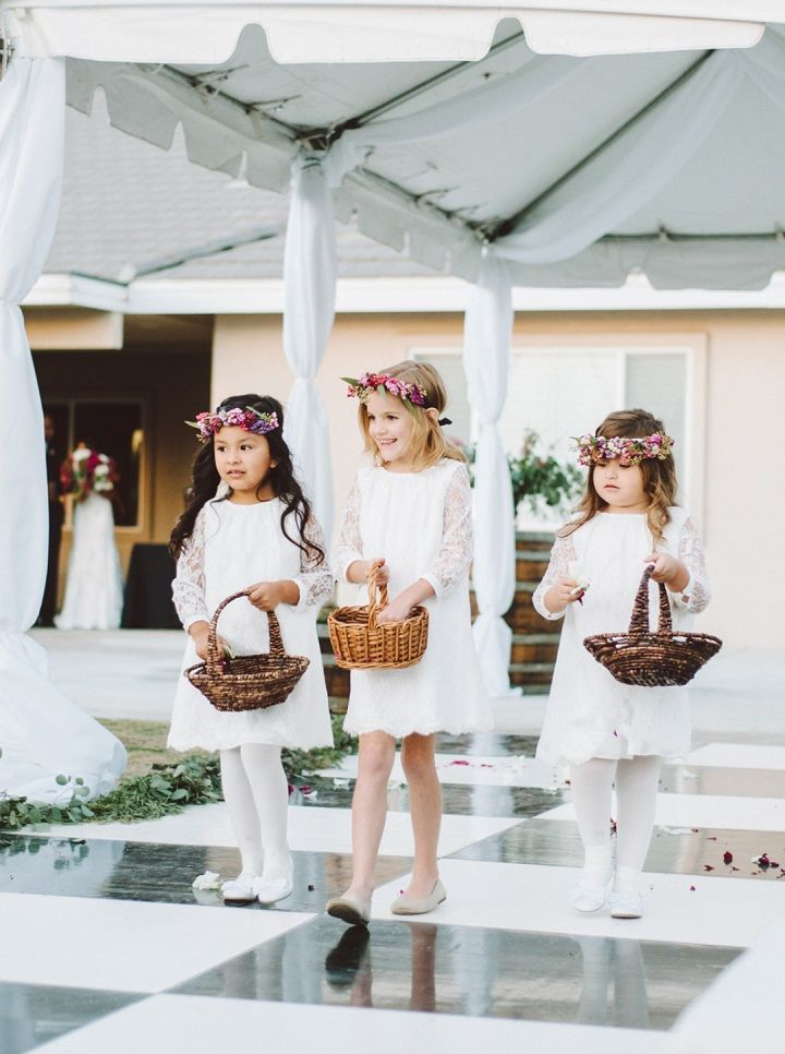 Adorable flower girls | Fall backyard wedding with burgundy details | fabmood.com #wedding #fallwedding #burgundy