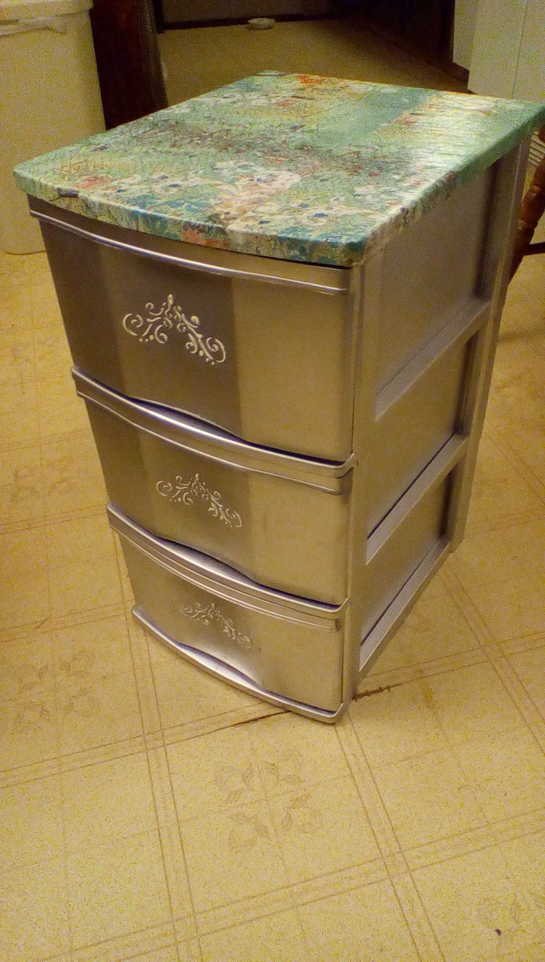 Plastic Sterlite Drawers With Decoupage Top Silver Paint And Stencil On Front Definitely Lo Plastic Storage Drawers Plastic Drawer Makeover Painting Plastic