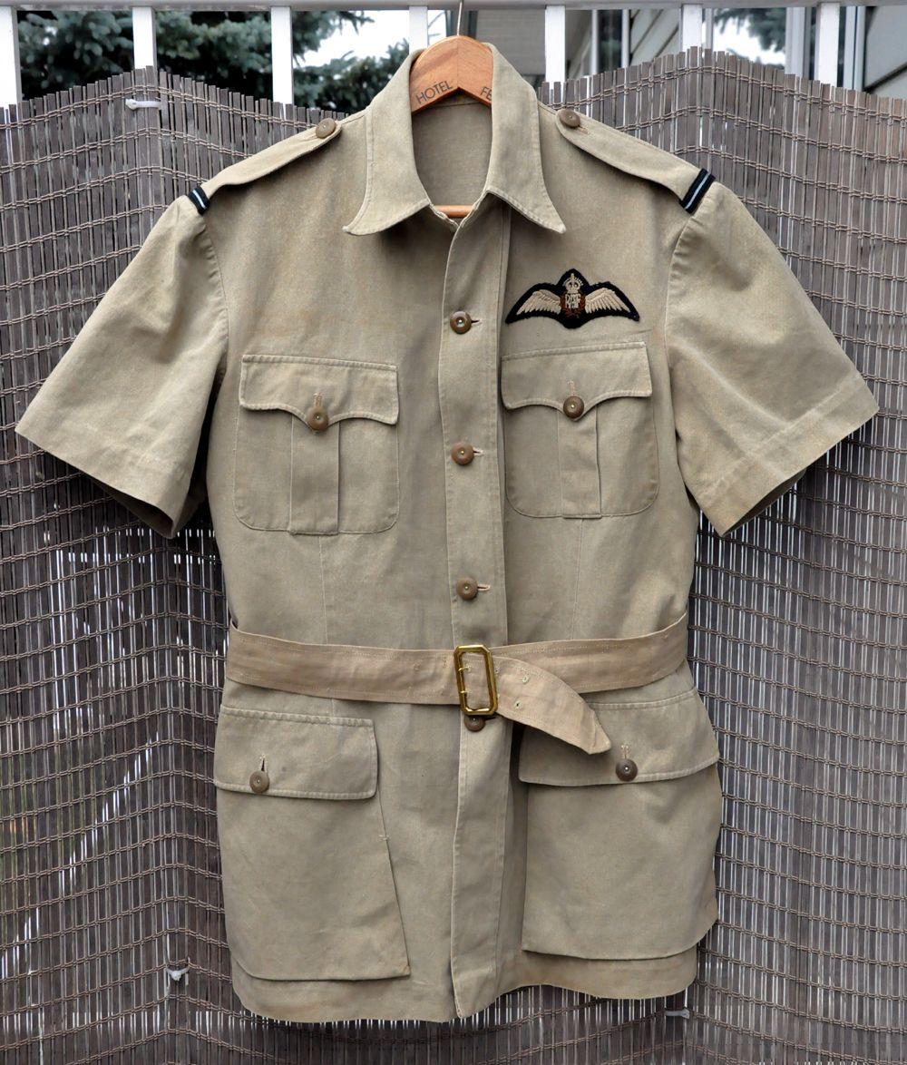 72f9b11d2 WW2 RAF khaki drill short sleeved uniform, with Flying Officer ...