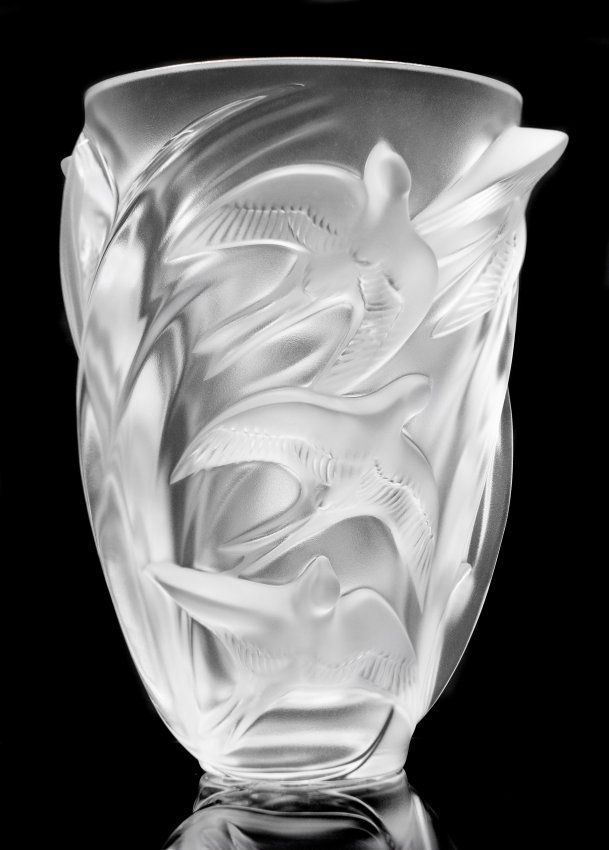 """LALIQUE CLEAR AND FROSTED CRYSTAL """"MARTINETS"""" VASE : Lot 496"""