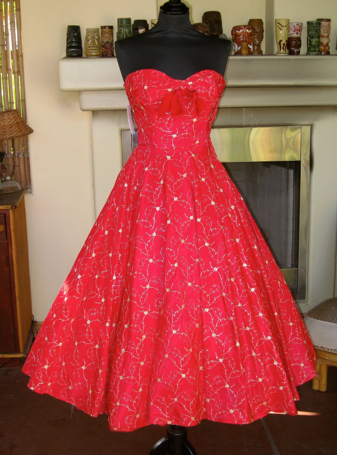 Pin By Samantha Pionnier On Vintage Obsession 1950s Red Dress Vintage 1950s Dresses Red Dress [ 1500 x 1111 Pixel ]