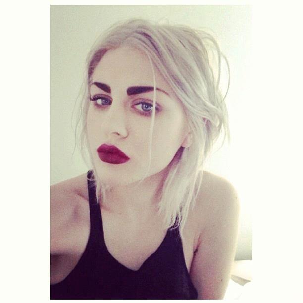 Frances Bean Cobain Eyebrow Goals Inspiration Pinterest
