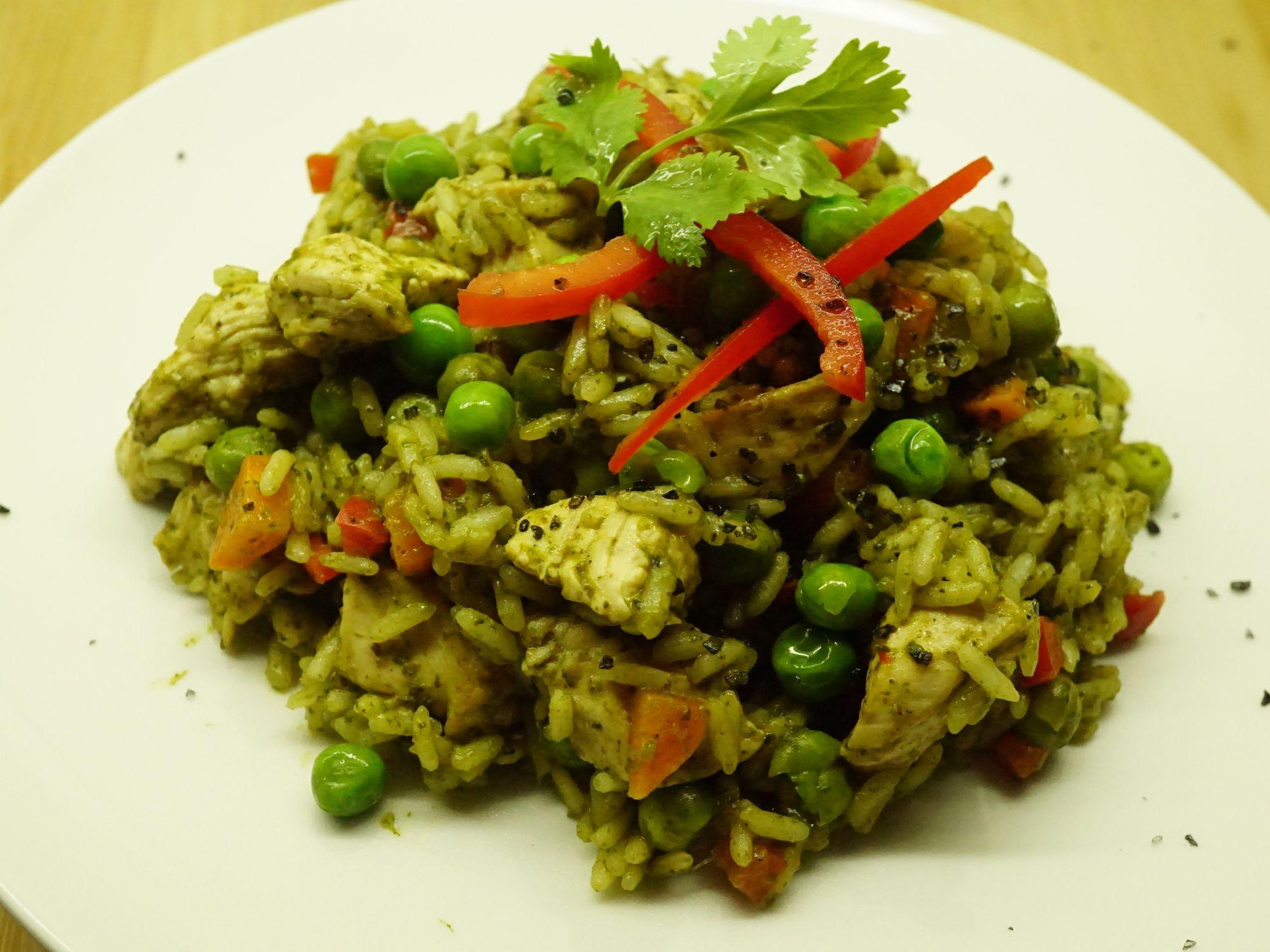 Arroz Con Pollo Peruano Peruvian Recipes Food Easy Meals