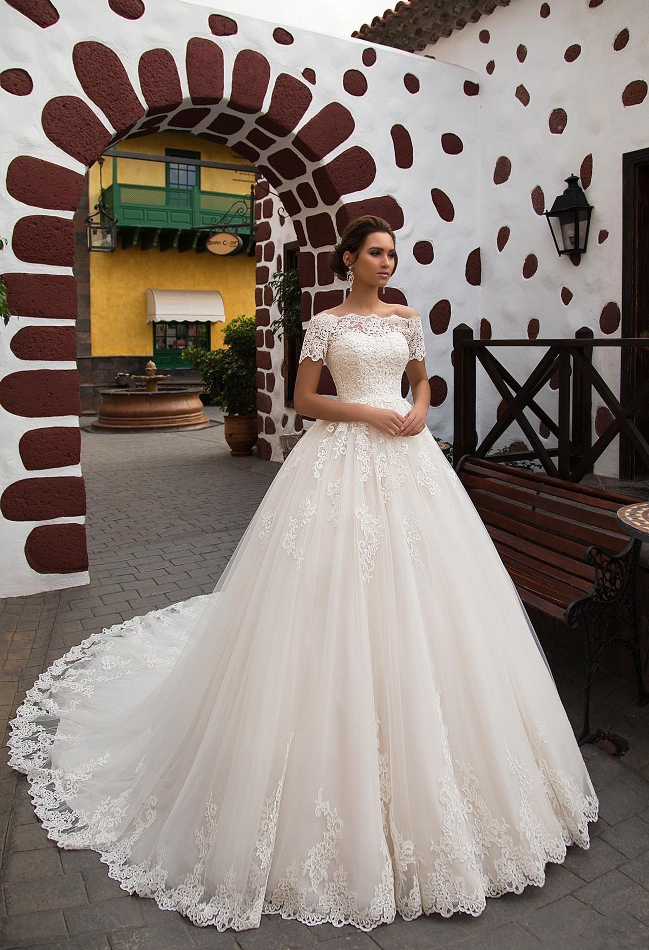 f00ede62c2a6 Discount 2018 Vintage Lace Appliques A Line Wedding Dresses Romantic  Princess Short Sleeves Chapel Train Bride Gown Robe De Mariage Simple Lace  Wedding ...