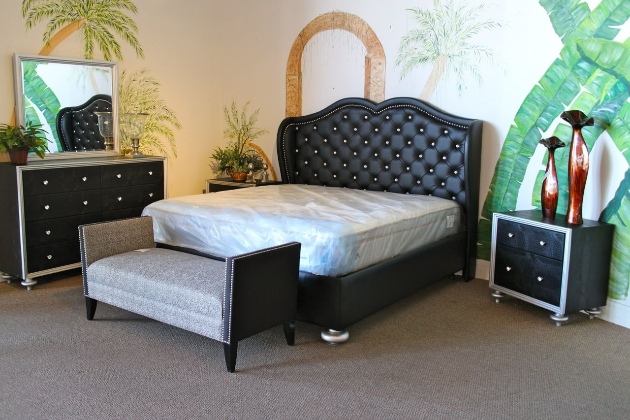 Mcferran black tufted rhinestone eastern king bedroom set colleen 39 s classic consignment las for Bedroom furniture las vegas nv