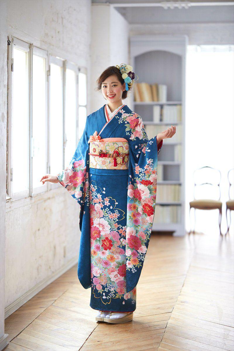 bd0ff19df Pin de Luzia Calado en kimonos e gueixas   Pinterest