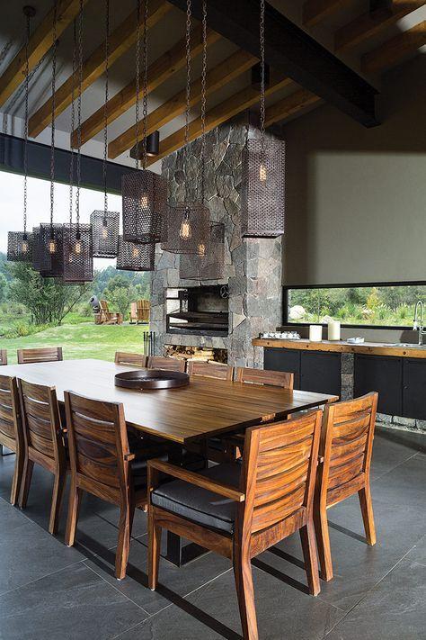 Casa en Valle de Bravo por Luciano Gerbilsky Días soleados - Comedores De Madera